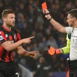 thẻ đỏ bóng đá