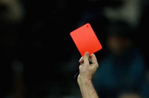 thẻ đỏ trong bóng đá là gì